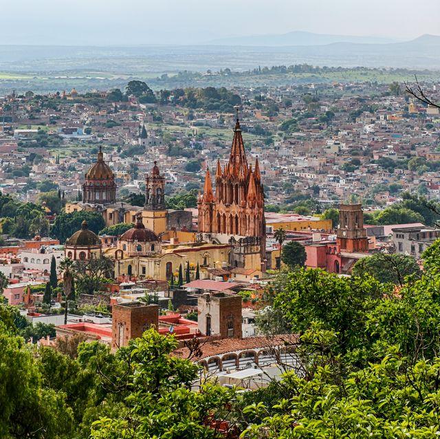parroquia de san miguel arcángel, san miguel de allende, guanajuato, mexico   a mexican magical town