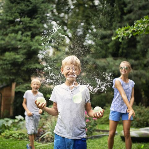 party games ideas kids water balloon toss