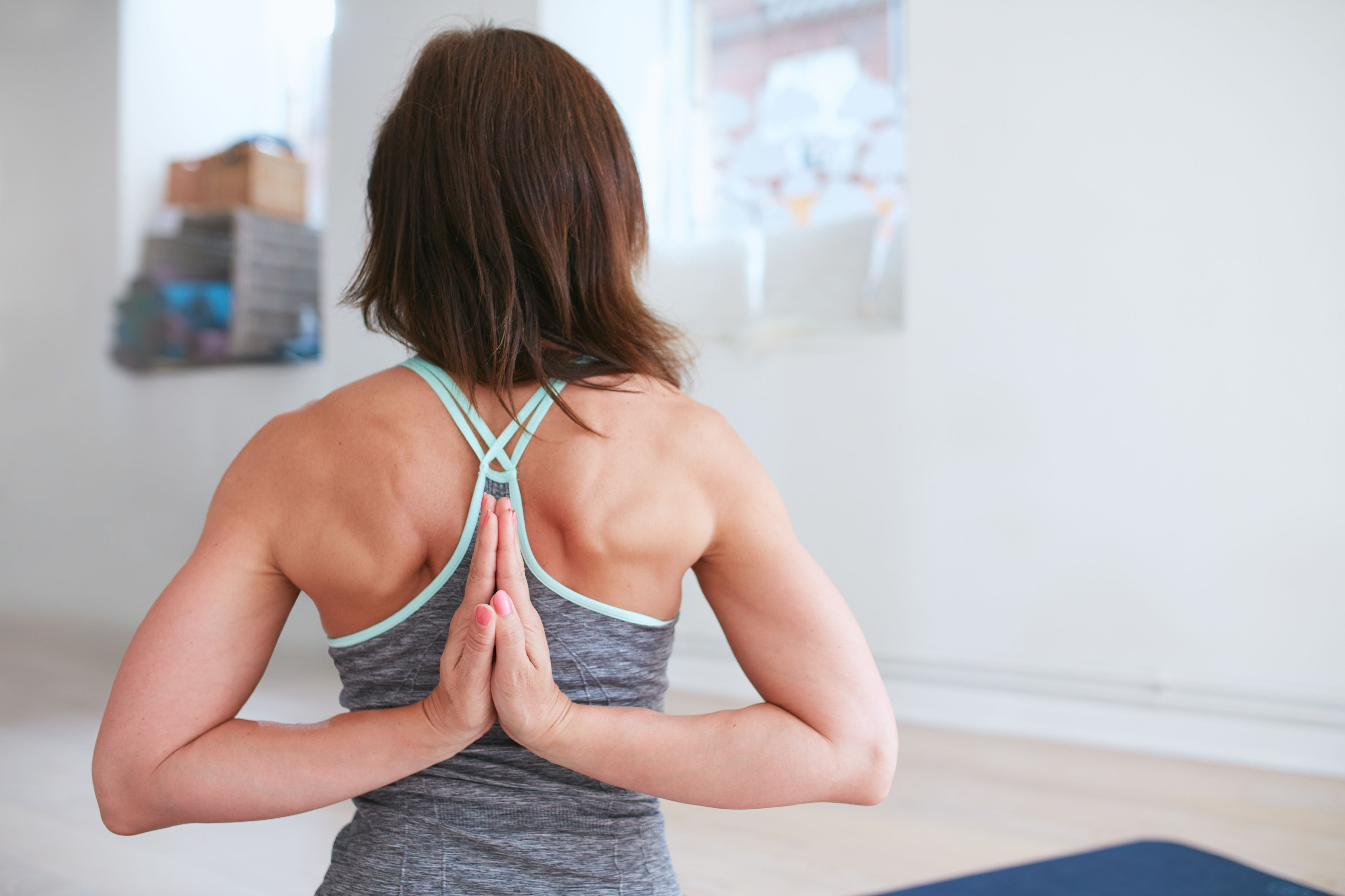 37 Best Yoga Shoulder Stretches to Relieve Neck and Back Pain