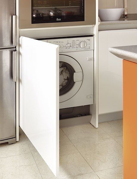 Major appliance, Washing machine, Home appliance, Clothes dryer, Laundry room, Tile, Laundry, Room, Floor, Dishwasher,