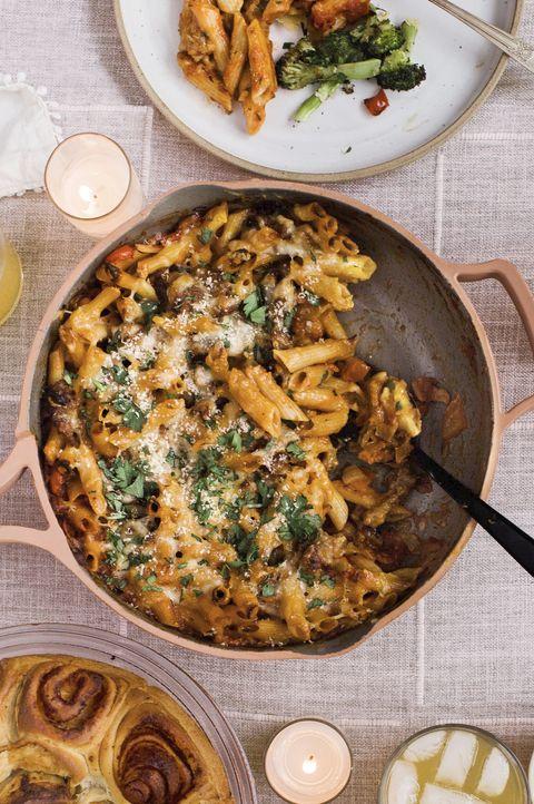 garlic miso rolls, honey mustard dip, cheesy sausage  pepper pasta bake, roasted broccoli with sharp cheddar crumbs, spiced pear shrub