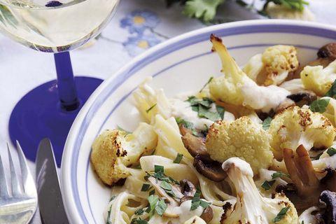 pasta con coliflor y champiñones