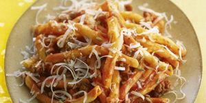 Pasta tomaat pittige worst venkel