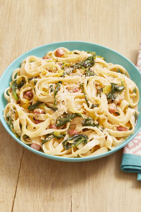 pasta with ham, leeks and spinach