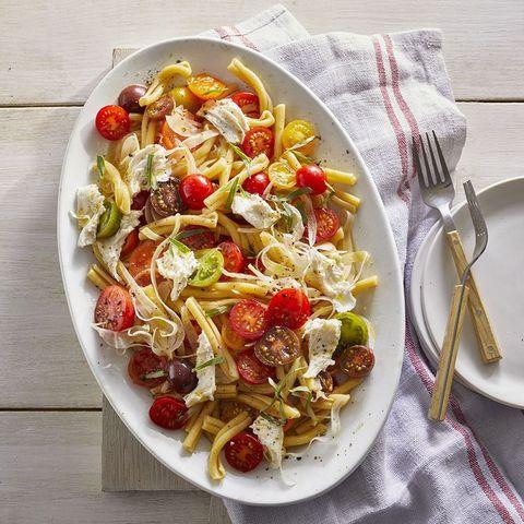 Pasta with Marinated Cherry Tomato Sauce recipe