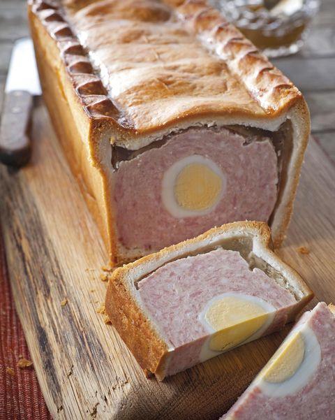 Pastel de cerdo y huevo