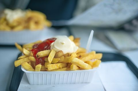 patatine fritte ketchup maionese