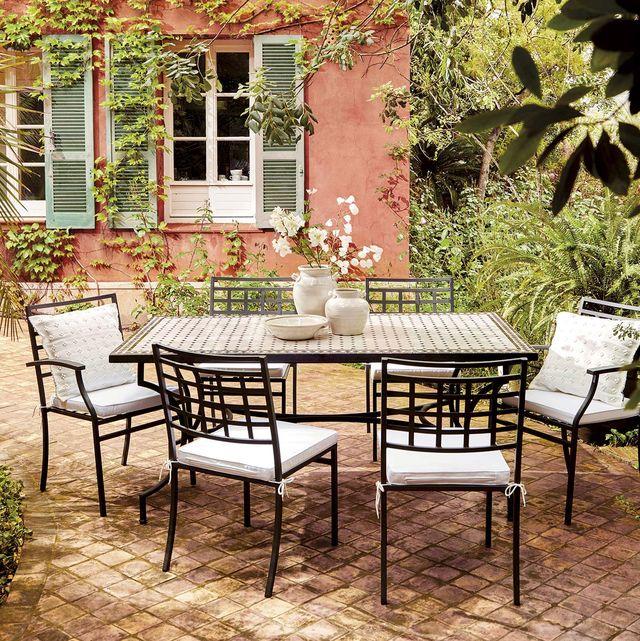patio con comedor exterior