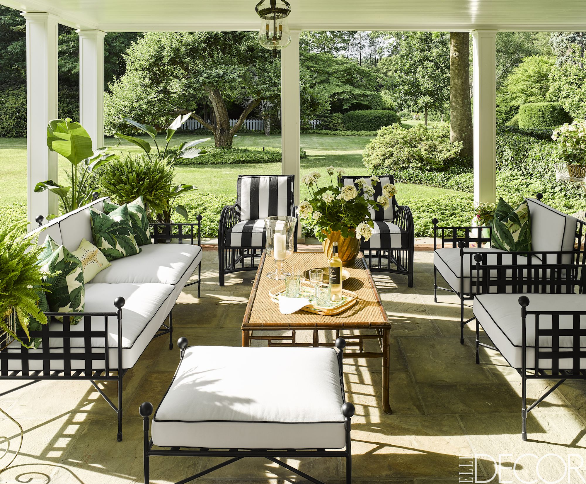 Small Patio Decor Ideas For A Gorgeous Outdoor Oasis
