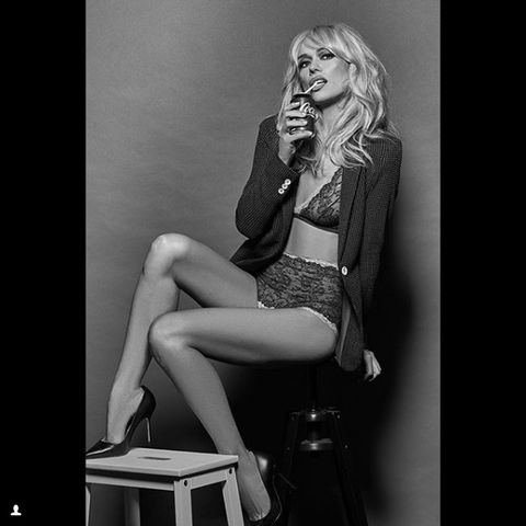 Leg, Sitting, Blond, Beauty, Thigh, Human leg, Photo shoot, Model, Black-and-white, Fashion,