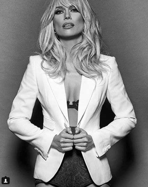 White, Clothing, Outerwear, Beauty, Blazer, Blond, Suit, Black-and-white, Model, Photography,