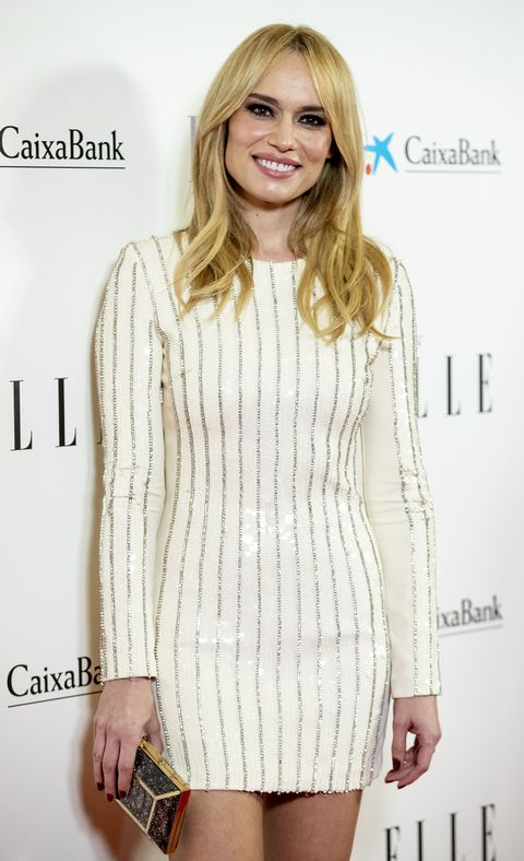 la presentadora, con un vestido blanco, ha encontrado de nuevo el amor