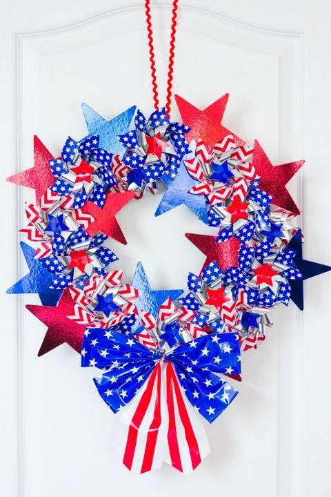 patriotic pinwheel wreath diy 4th of july wreaths