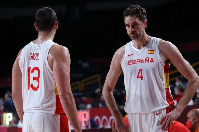marc y pagul gasol juegan su último partido con la selección española de baloncesto