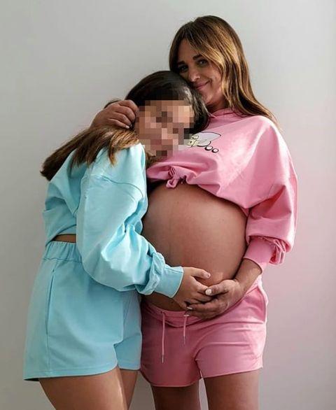 paula echevarría disfruta de su embarazo junto a su hija daniella