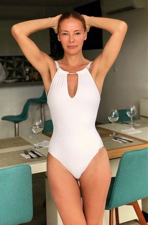 Leotard, Clothing, Sportswear, One-piece swimsuit, Monokini, Swimwear, Shoulder, Thigh, Leg, Maillot,