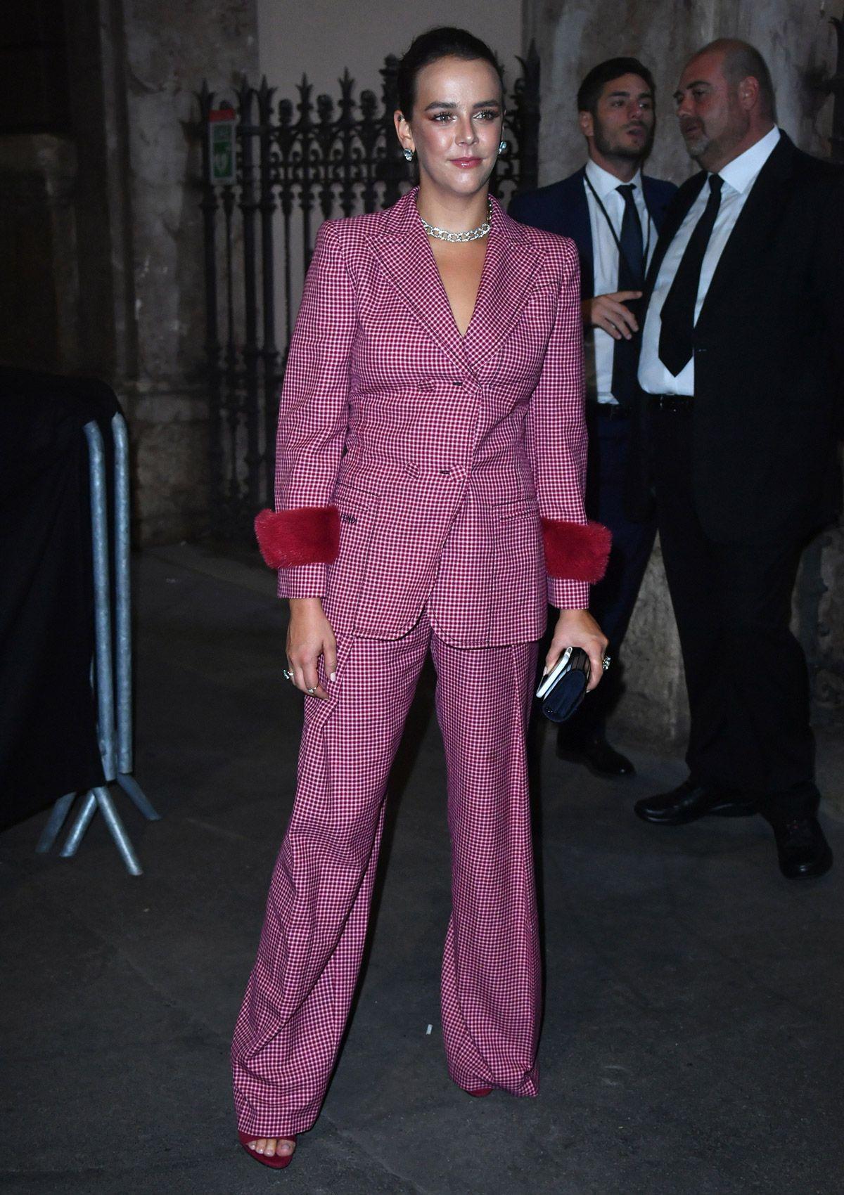Repasamos los looks más llamativos de la gala amfAR celebrada en Milán, que contó con las asistencia de la modelo Winnie Harlow y Pauline Ducruet, hija de Estefanía de Mónaco.