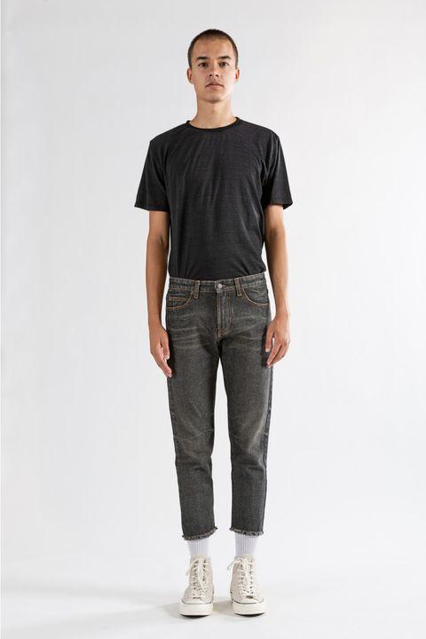 Clothing, Pocket, Denim, Jeans, Shoulder, T-shirt, Standing, Khaki, Sportswear, Sleeve,