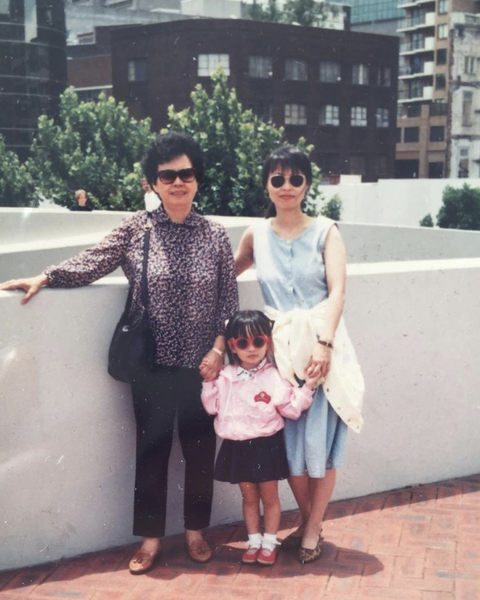 jodie chan with her mother and grandmother