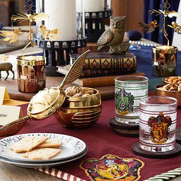 Meal, Brunch, Food, Cuisine, Dish, Table, Breakfast, Dinnerware set, Tableware, Dishware,