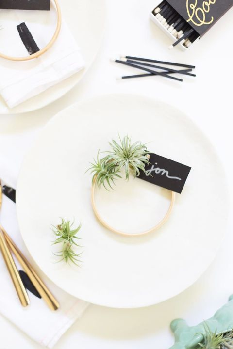 air plant wreath place cards