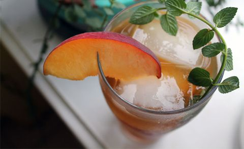 Brew Perfect Peach Iced Tea with Mint