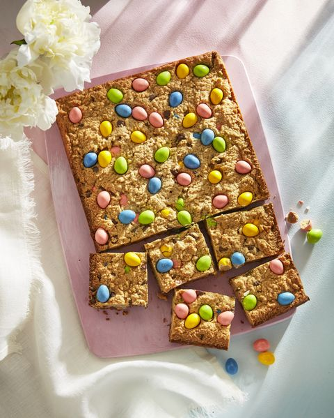 peanut butter and candy egg blondies
