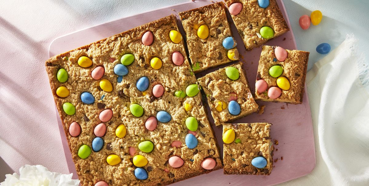 Serve These Peanut Butter and Candy Egg Blondies at Easter This Year