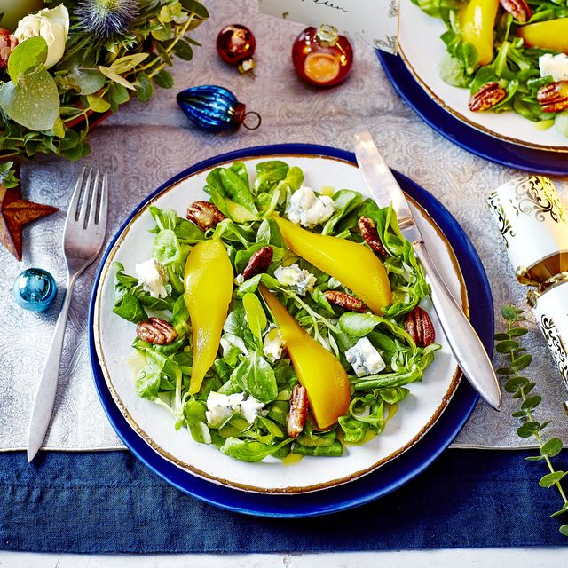pear, candied pecan and blue cheese salad