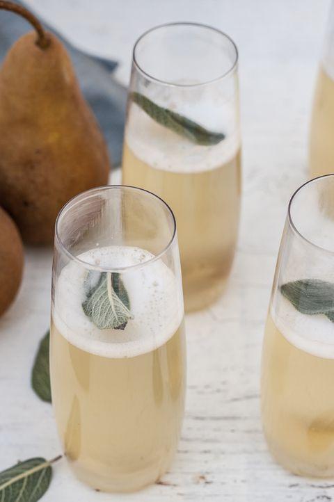thanskgiving cocktails ginger pear