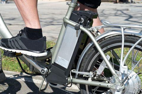 Bicycle, Bicycle wheel, Bicycle part, Bicycle drivetrain part, Vehicle, Bicycle accessory, Bicycle handlebar, Spoke, Bicycle frame, Bicycle fork,
