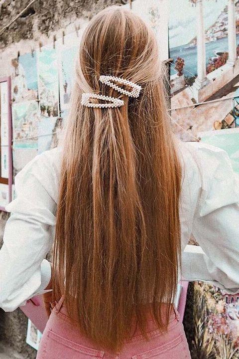 Hair, Hairstyle, Long hair, Hair coloring, Brown hair, Hair accessory, Blond, Fashion accessory, Neck, Hair tie,