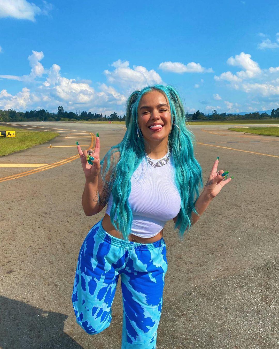 'Icy Blue', el color de pelo más 'cool' que vas a ver en TikTok este verano