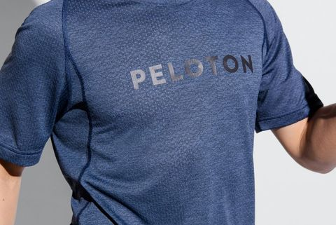 T-shirt, Clothing, Blue, Sleeve, Neck, Product, Shoulder, Arm, Top, Sportswear,