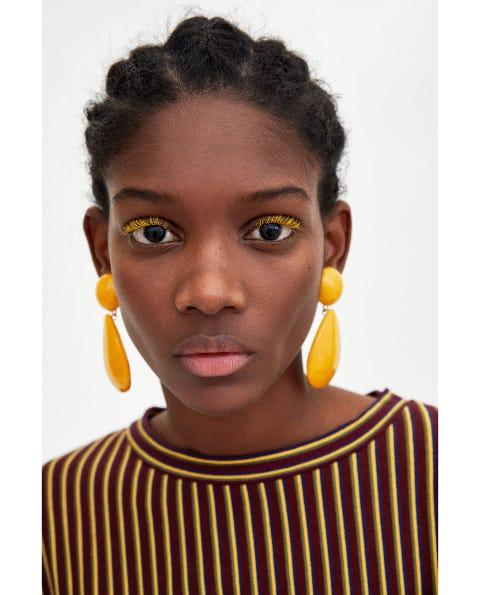 Hair, Face, Lip, Eyebrow, Hairstyle, Forehead, Nose, Head, Yellow, Cheek,