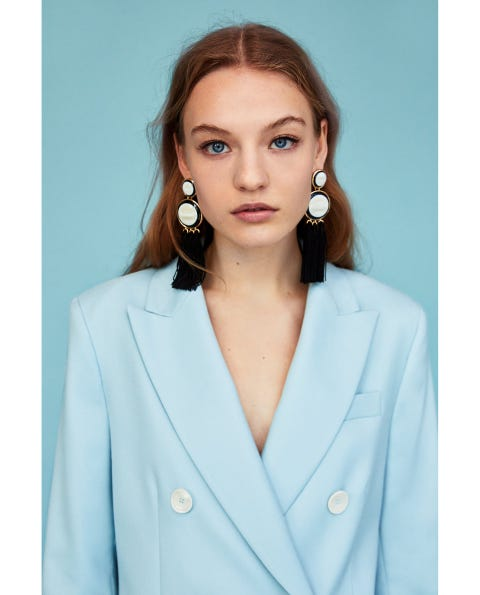 Clothing, Blazer, Outerwear, Turquoise, Suit, Jacket, Collar, Formal wear, Top, Neck,