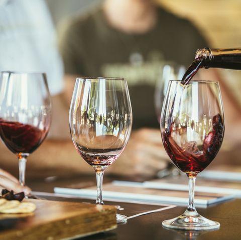 Aldi launches free wine course