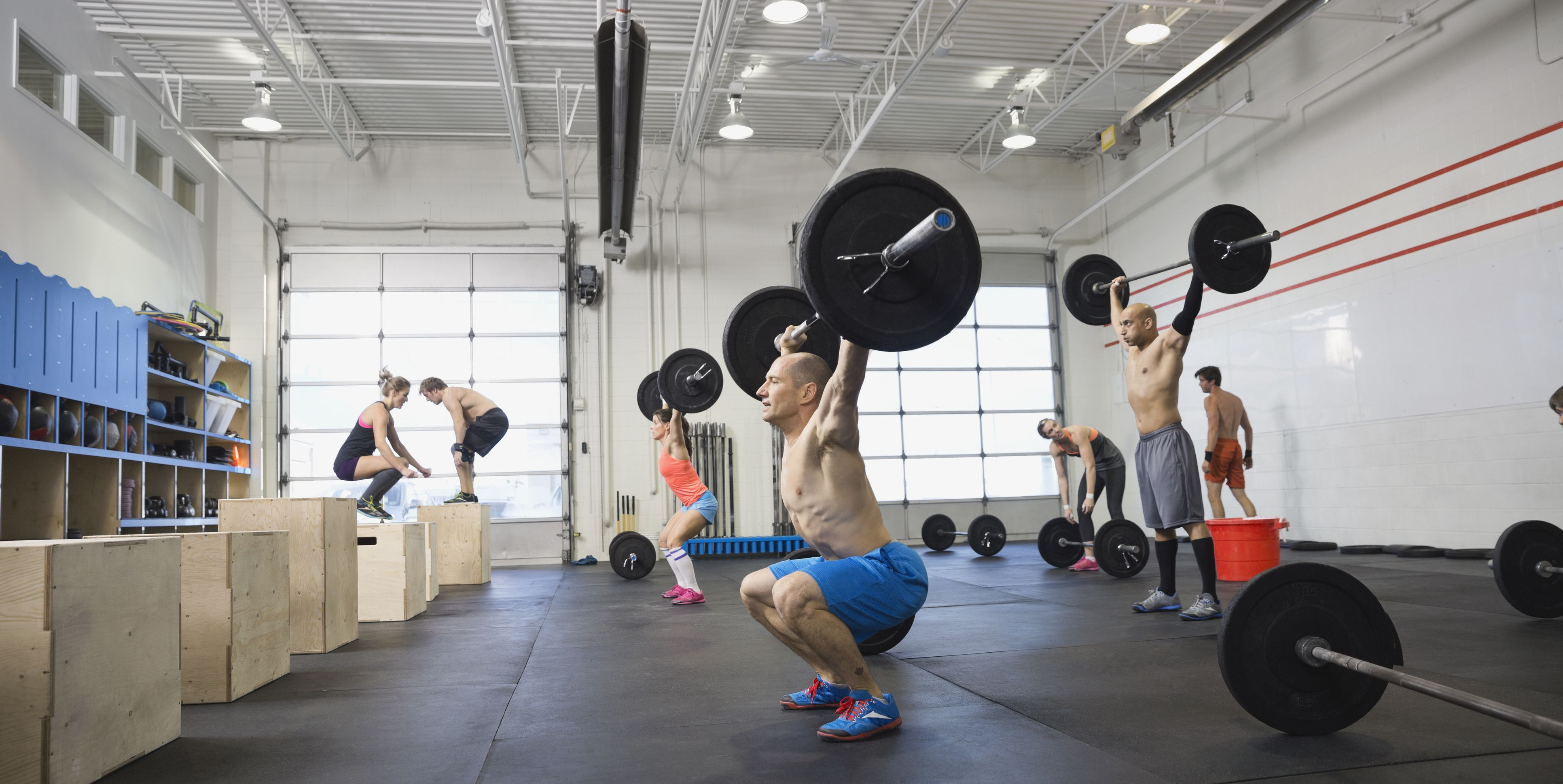 people exercising in crossfit class