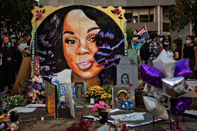 people protest a kentucky grand jurys indictment of one of three police officers in the killing of breonna taylor, but not for her death