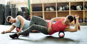 ejercicios postura con foam roller