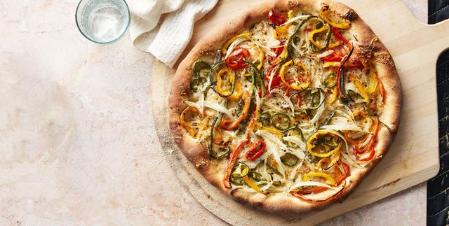 Hot-Pepper and Onion Pizza