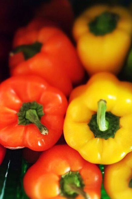 Natural foods, Pimiento, Local food, Bell pepper, Vegetable, Whole food, Food, Red bell pepper, Bell peppers and chili peppers, Vegan nutrition,