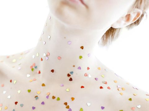 Lip, Skin, Eyelash, Neck, Pattern, Colorfulness, Earrings, Peach, Day dress, Fashion design,