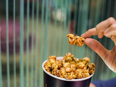 Finger, Food, Dish, Recipe, Caramel corn, Nail, Thumb, Delicacy, Side dish, Fried food,