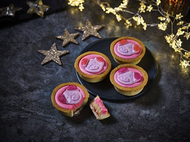 marks spencer percy pig mince pies
