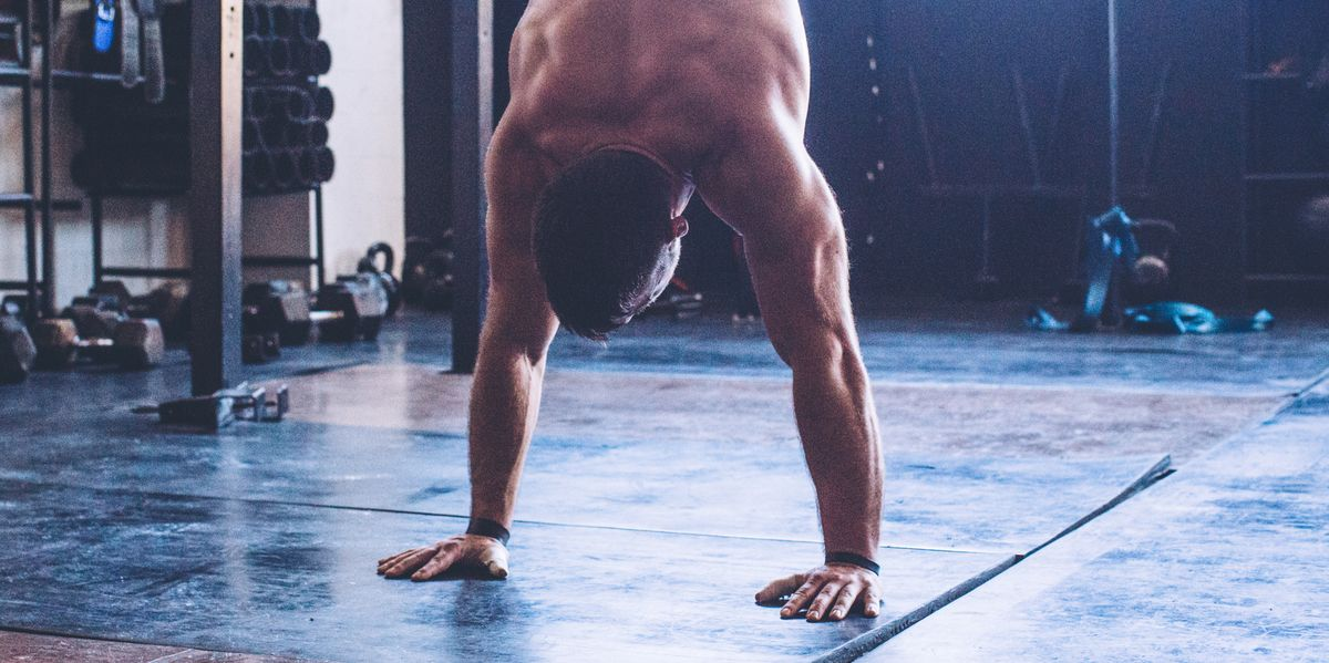 An Average Guy Mastered the Handstand in 5 Months
