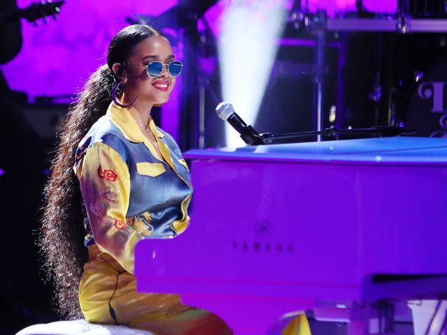 H.E.R.'s Next Goal? Coming Up With Bigger Dreams