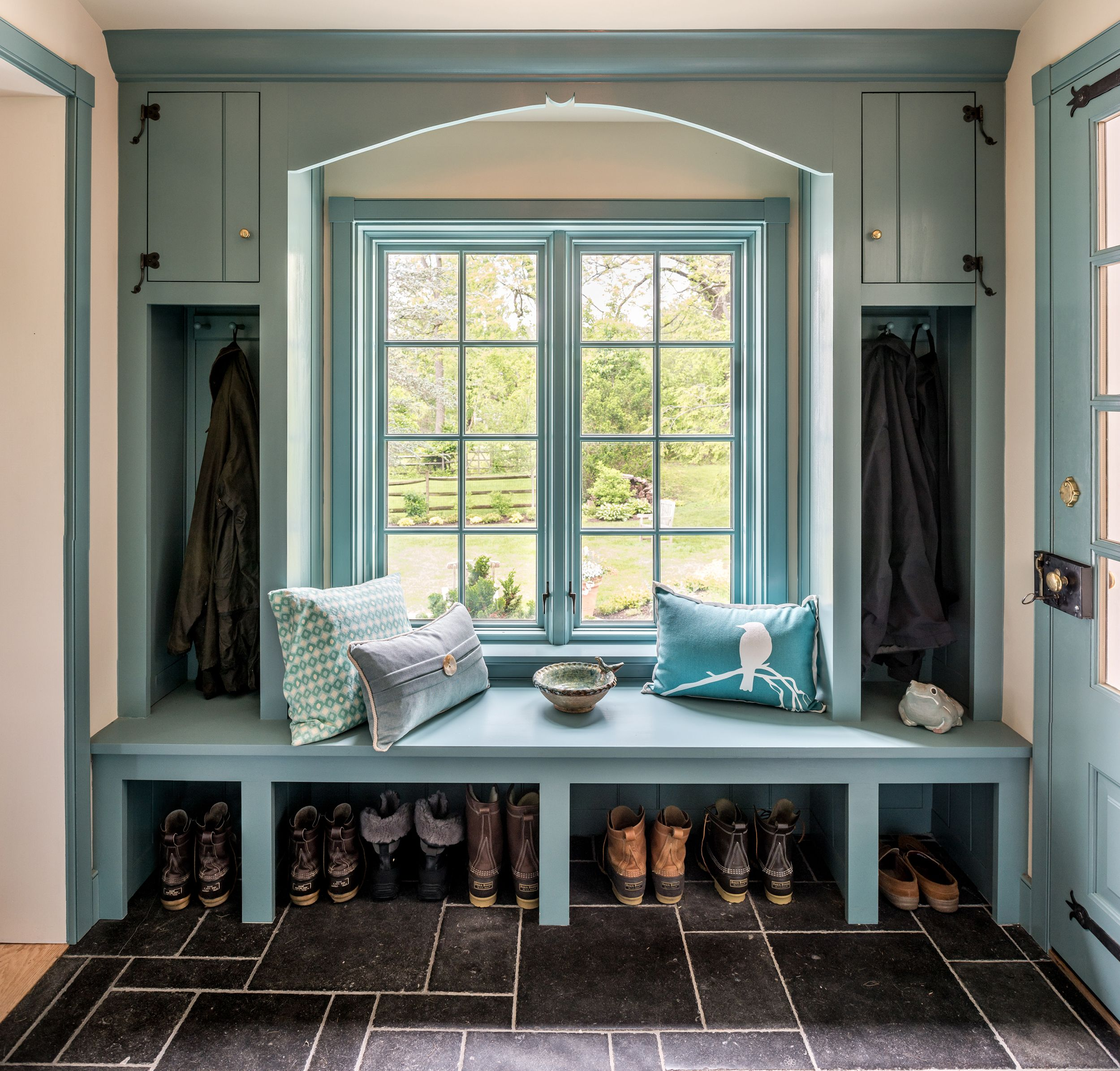 27 Stylish Mudrooms And Entries