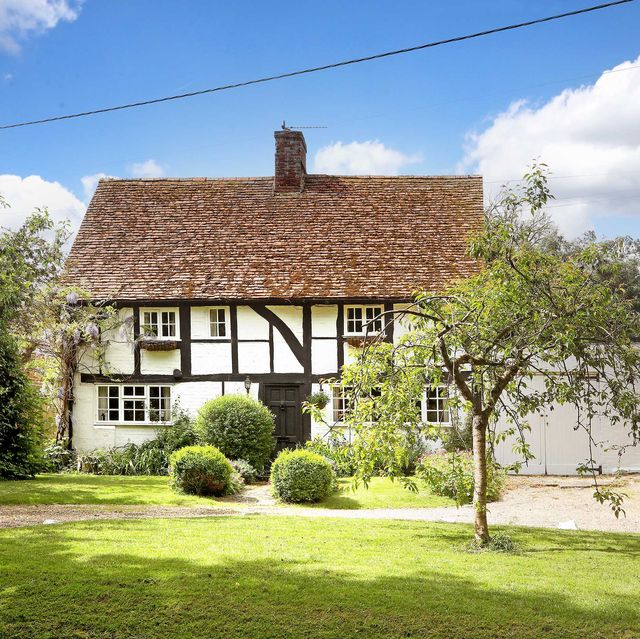 16th century period cottage for sale in hampshire