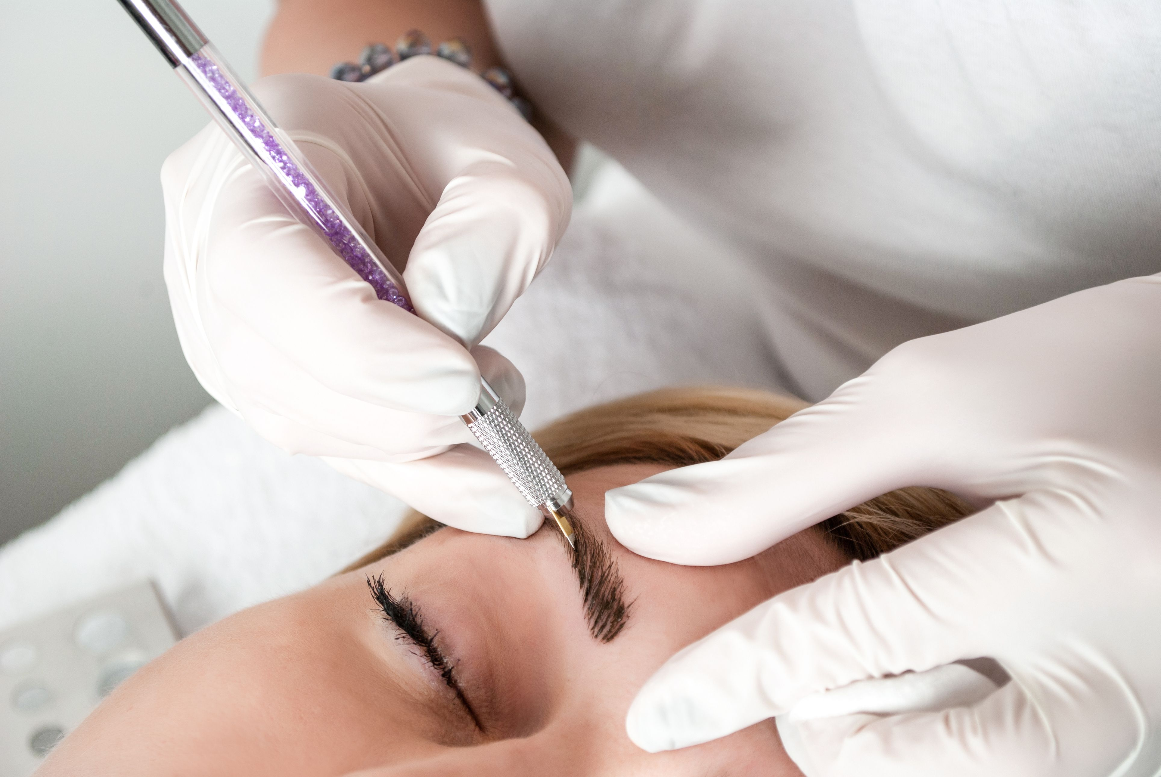 What Is Microblading and How Long Do Microbladed Eyebrows Last?